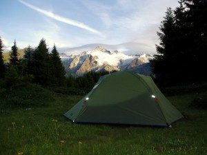 Mountain_camping_-_panoramio-300x225